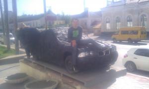 Пермь. Машина из шин