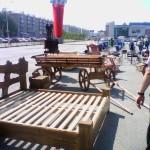 строительная выставка Уфа: кровать и телега
